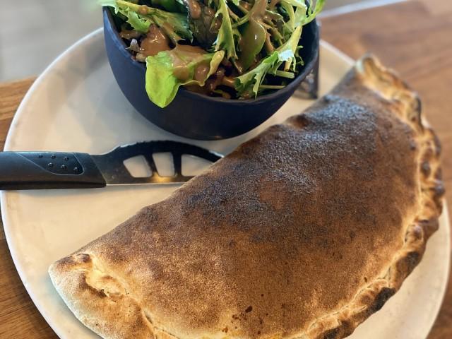 Brasserie Les Terrasses Pizza calzone